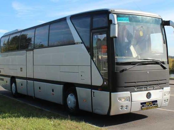 Автобус Mercedes Benz
